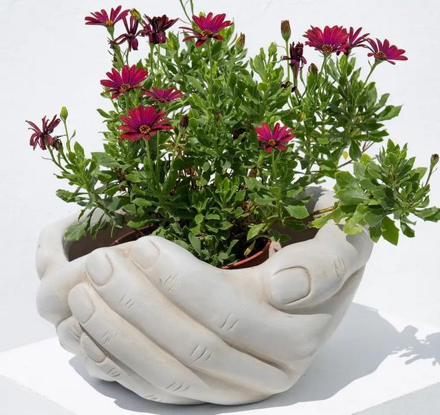 Fibroceramic Hands