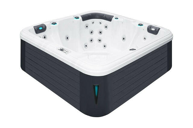 Relax Hot Tub